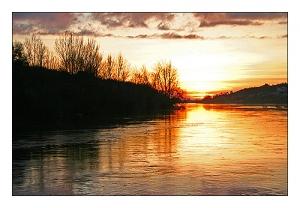 """/Há """"lume"""" no rio"""