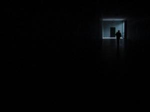 Outros/A Escuridão do Túnel