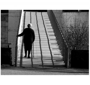 /Caminhando por entre sombras