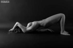 /Nude 33