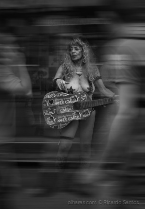 Gentes e Locais/Naked Cowgirl