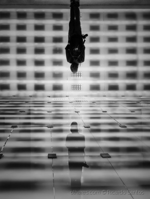 Abstrato/Somos o Reflexo do Futuro