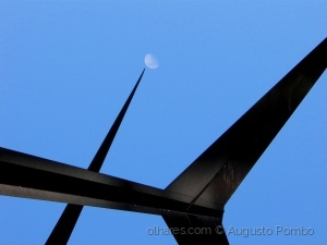 Abstrato/Up to the moon