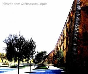 Gentes e Locais/Muralha de luz