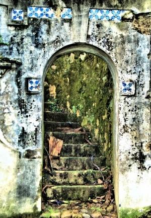 /Escadas para... Lado nenhum