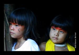 Gentes e Locais/Crianças Kuikuros