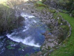 Paisagem Natural/Corre um rio sem fim