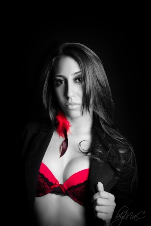 Retratos/serious red