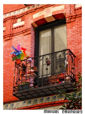 Paisagem Urbana/Vem a janela...