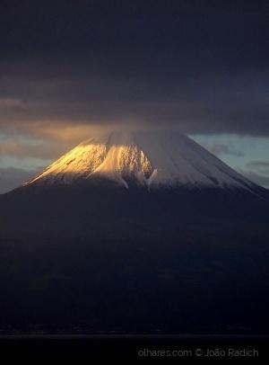 Paisagem Natural/Pico na bruma ...