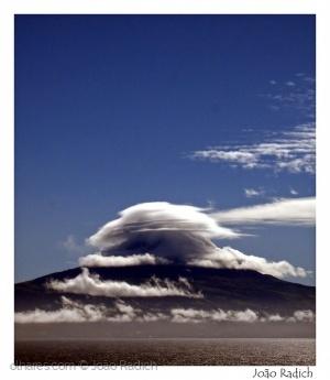 Paisagem Natural/Pico nas nuvens ...