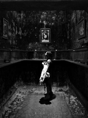 Outros/Uma luz na escuridão da mera existência...
