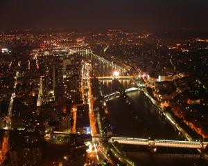 Gentes e Locais/Paris By Night.