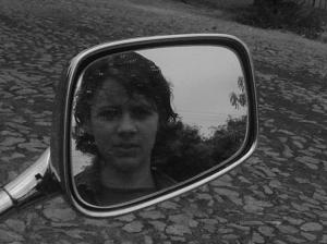 Outros/Kátia e o espelho