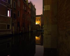 Gentes e Locais/Um beco de Veneza...