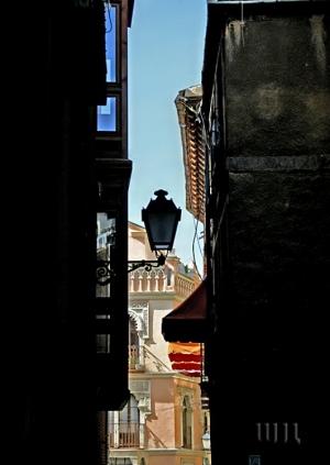 Paisagem Urbana/Um beco em Toledo