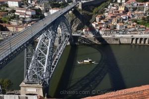 Gentes e Locais/A ponte a sombra e o barco rabelo