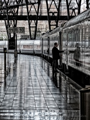 Gentes e Locais/THE LAST TRAIN