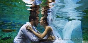 Gentes e Locais/Casamento em baixo d'água