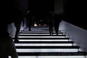 Gentes e Locais/Passos na escuridão!...