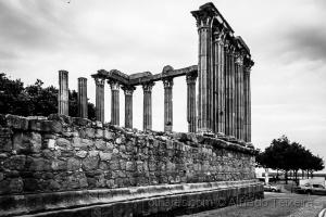 História/Templo em ruinas!...