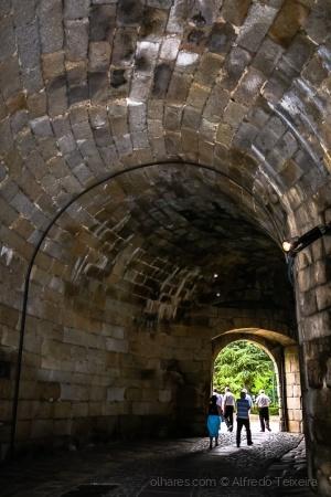 Gentes e Locais/Luz ao fundo do túnel...