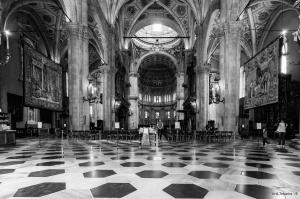 Gentes e Locais/Lugar de culto...