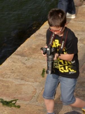 Fotojornalismo/De pequenino se torce o pepino!!