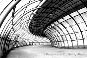 Outros/tunel metalico
