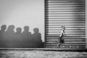 Paisagem Urbana/Escape from shadows