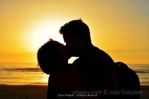 /Lovers on The Sun
