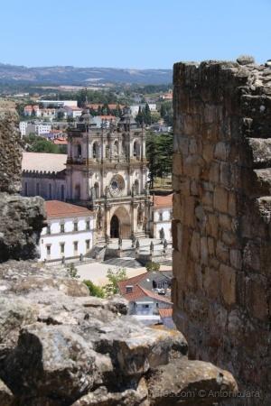 /O Mosteiro visto do Castelo ( Alcobaça)