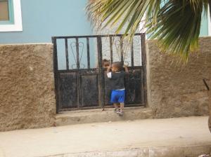 Retratos/Brincando no Portão