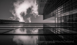 Abstrato/The growing lines