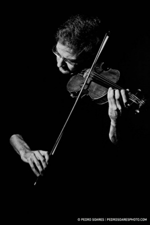 Retratos/The Violinist