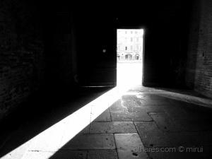 Paisagem Urbana/A Luz do Profano  (2011)