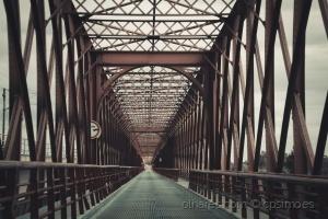 /Fica-se A Ponte No Espaço