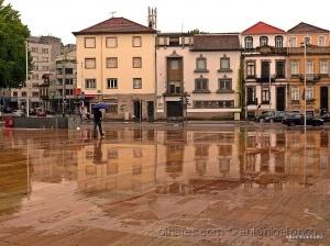 /Pormenores na cidade em dia de chuva