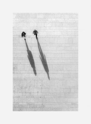 Gentes e Locais/...shadows on the ground...