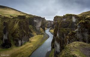 /Fjaðrárgljúfur Canyon