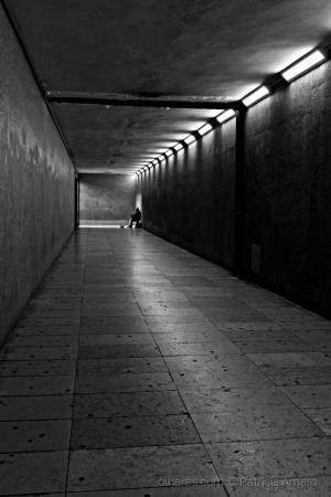 Gentes e Locais/Uma luz ao fundo do túnel