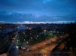 Gentes e Locais/As luzes de Gaia e Porto