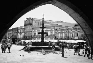 Gentes e Locais/Praça da Républica