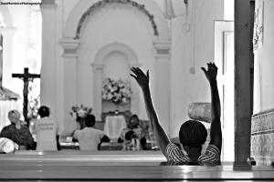 Gentes e Locais/Um altar onde apoiar os braços