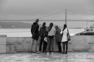 /Dia de vento e chuva- Cais das Colunas ( Lisboa )