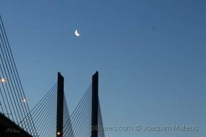 Outros/Lisboa, ainda dorme!...