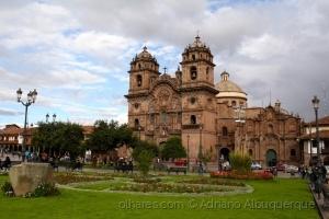 Paisagem Urbana/Plaza de Armas, Cusco...ler