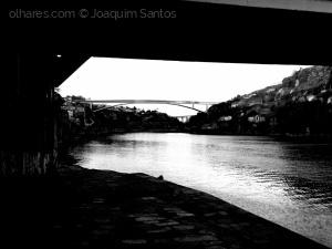 /A ponte é uma passagem para a outra margem... Ler