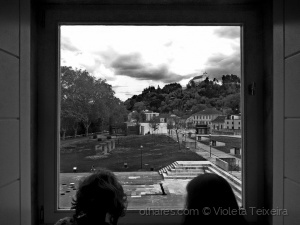 /OLHAMOS A PAISAGEM DA JANELA DO NOVO MUSEU (leia-s