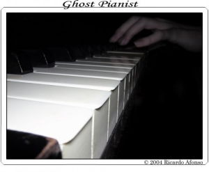/Ghost Pianist